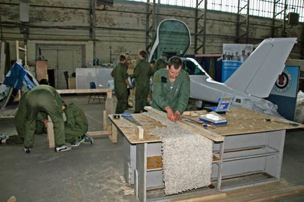 NORTHERN IRELAND AIR CADETS IN BID TO BUILD THEIR OWN PLANE